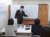 マンツーマンか少人数の英会話教室